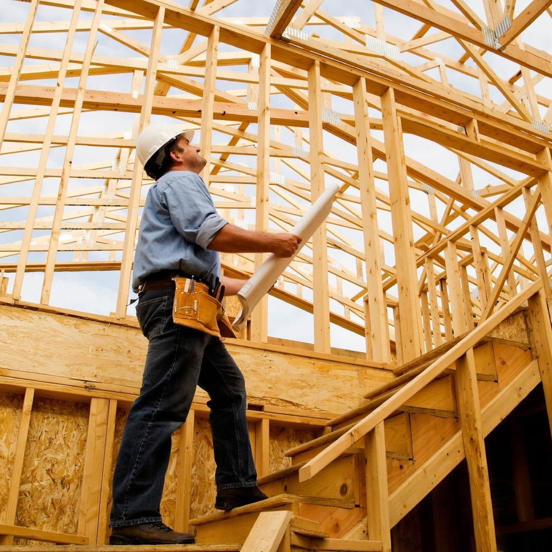 home-builder-contractor-628175-edited.jpg