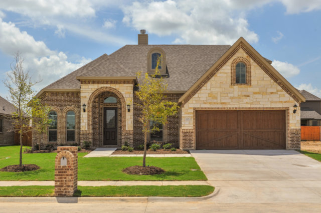 421 Whispering Willow - New Home For Sale in Midlothian, TX